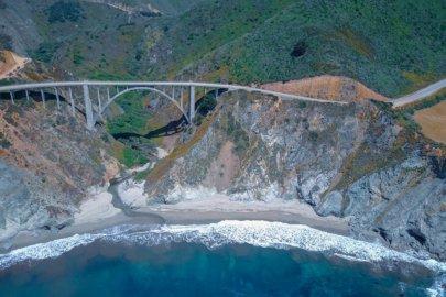 Highway 1 entre Los Angeles et San Francisco en Californie aux Etats-Unis (USA)